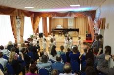 Группа ритмики танцует Менуэт (рук. Г.Косницкая)_1